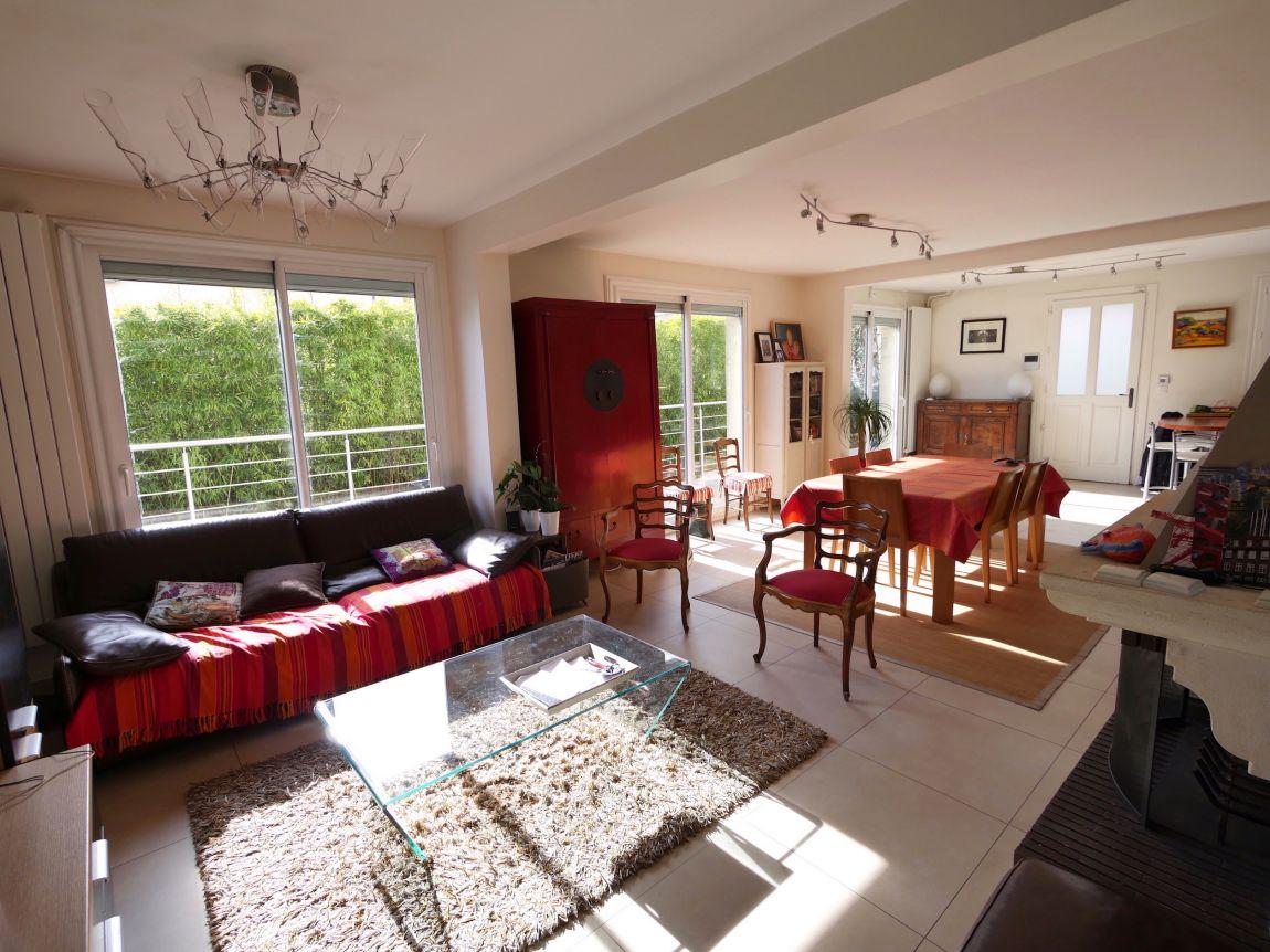 Suresnes cottages for Acheter maison suresnes